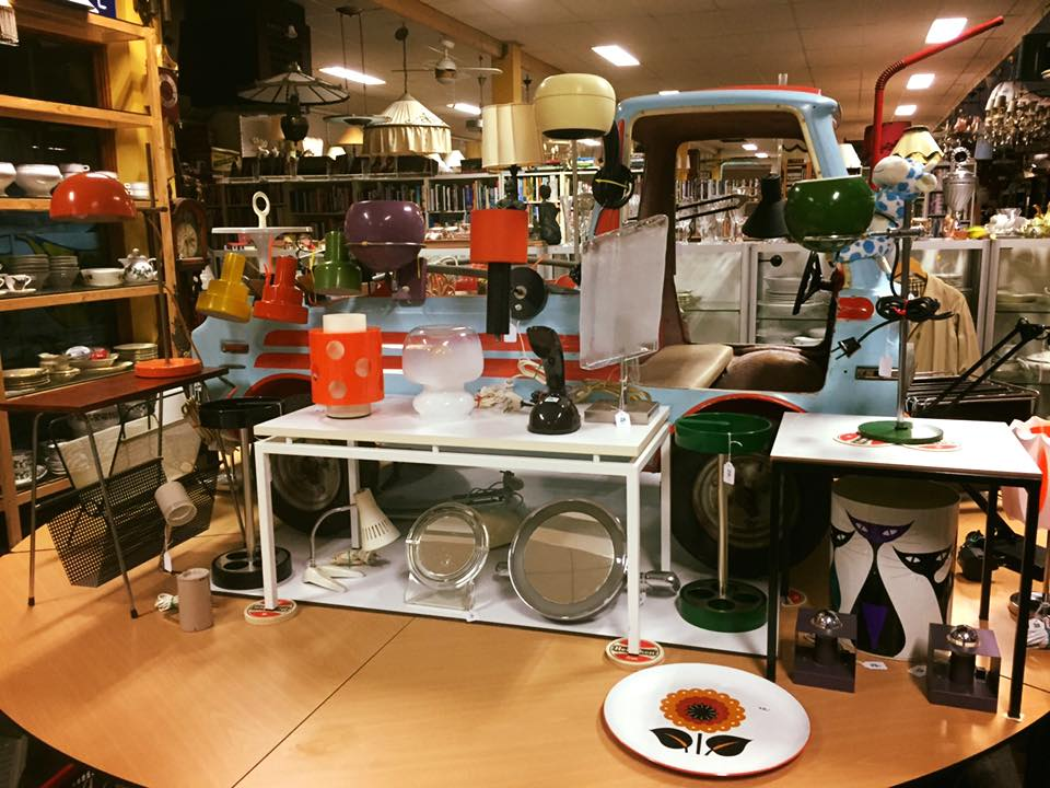 Kringloopwinkel (thrift store)